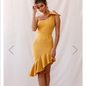 Tiffany One- Shoulder bow dress MUSTARD